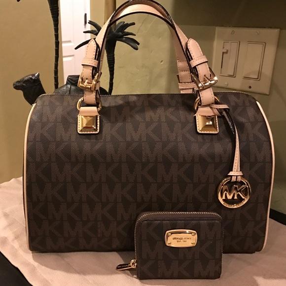 8361241d1536 Michael Kors Bags | Salenwt Bag And Wallet Set | Poshmark