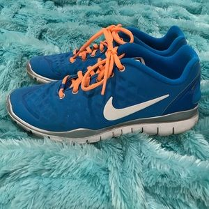NIKE Blue / Orange Free Run TR Fit Sneakers Size 8