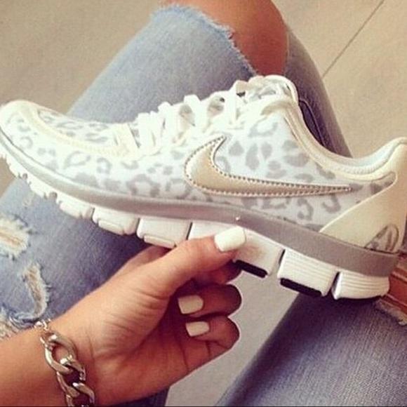 3a3bfb646aff Nike Free 5.0 V4 Leopard Cheetah print W sz 9.5. M 58841f6f56b2d6f3e402c00a
