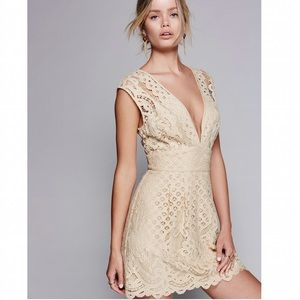 Free People Dresses & Skirts - 💖HP💖 5 ⭐️ Rated Free People Lace Dress