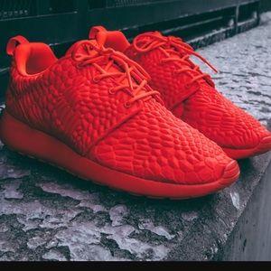 Nike Shoes - NWT Nike roshe crystal