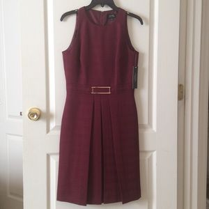 🆕 Tahari red holidays dress- rt $128