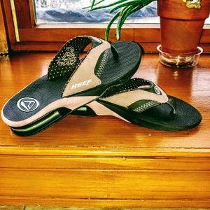 Reef Shoes - Reef size 5 flip flops