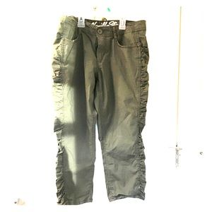 Vanilla Star Pants - SALE Olive Ruched Poplin Capri Pants