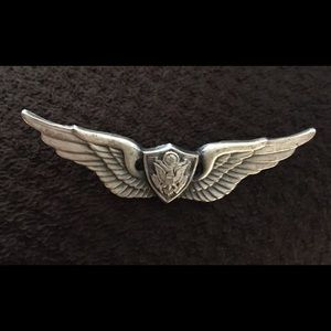Other - Rare vintage crew WWII pin