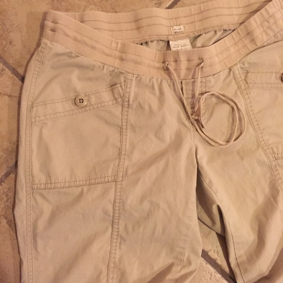 Old Navy Pants - Maternity khaki adjustable pants size medium