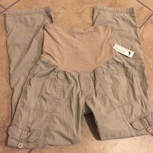  Maternity khaki pants size medium + FREE GIFT