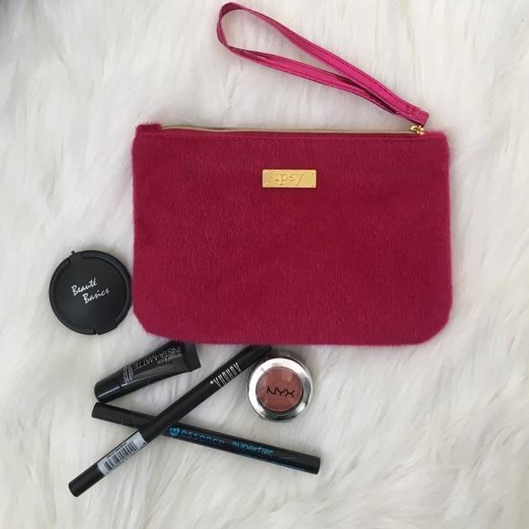 ipsy Makeup - Glam Bag With 5 Samples - Poshmark Ipsy Glam Bag with 5 samples - 웹