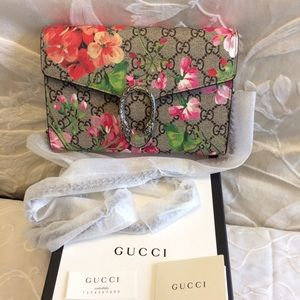 Gucci Handbags - GUCCI DIONYSUS BLOOMS PRINT MINI WITH CHAIN