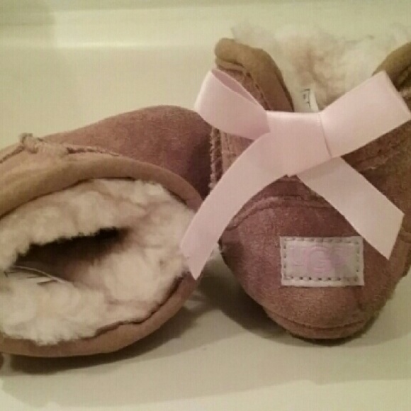ugg boots size 0/1