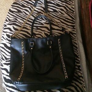 JustFab Handbags - Black chain tote