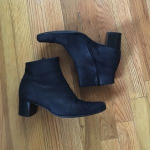 arche Shoes - Nubuck leather ankle boots by Arche