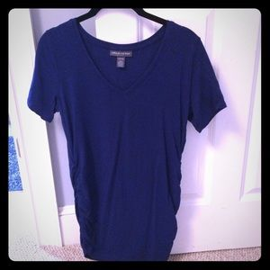 A Pea In the Pod blue v neck maternity shirt