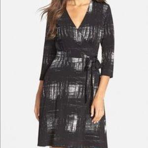 Leota Dresses & Skirts - Leota Faux Wrap Dress Size XS. NWT