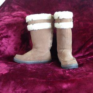 BearPaw Shoes - ⭐️⭐️SALE⭐️⭐️Bearpaw boots
