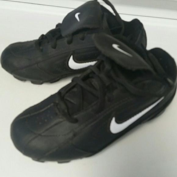 le scarpe nike ribbie jr scarpe da baseball bambino dimensioni 10 poshmark
