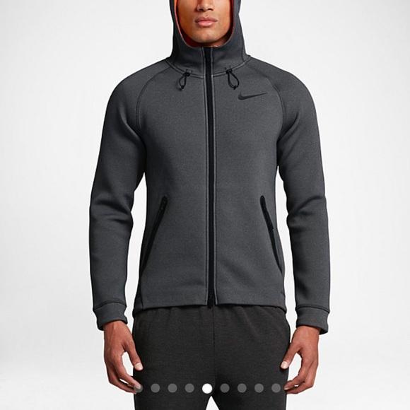 5f423ea916 Nike Therma-Sphere Max Men s Hoodie NWOT. M 5884e4b941b4e0bdde00ad34