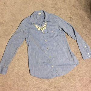 Heritage 1981 Tops - ✨Chambray long sleeve shirt