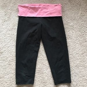 VS Pink Cropped Yoga Pants