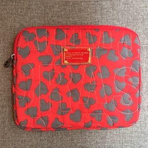 Marc Jacobs Accessories - Marc Jacobs Ipad Case Padded LIKE NEW