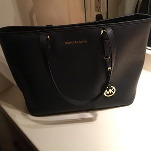 Michael Kors Handbags - Michael Kors Tote purse