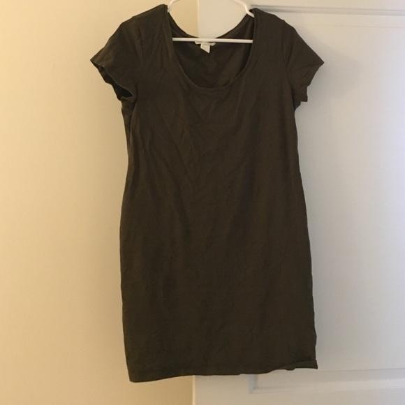 463900329a120 H M Dresses   Skirts - Olive Green H M T Shirt Dress