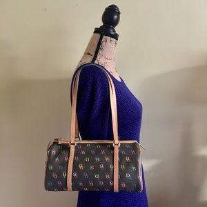 Dooney & Bourke Handbags - 🎀 Dooney & Bourke Barrel Bag