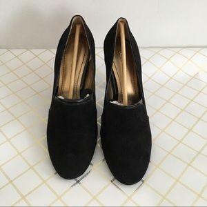 Nine West Shoes - Nine West black suede pumps