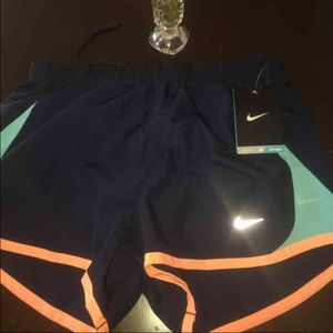 Nike Pants - 🌺INVENTORY CLEARANCE NWT NIKE SHORTS SZ XS & MED