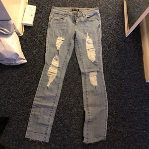 Pants - Ripped boyfriend jeans forever 21