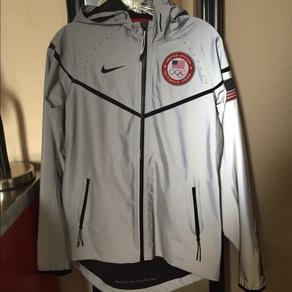 factory authentic cb4de 8547c Nike Olympic 3M Reflective Jacket. M 58851839bf6df529f6018832