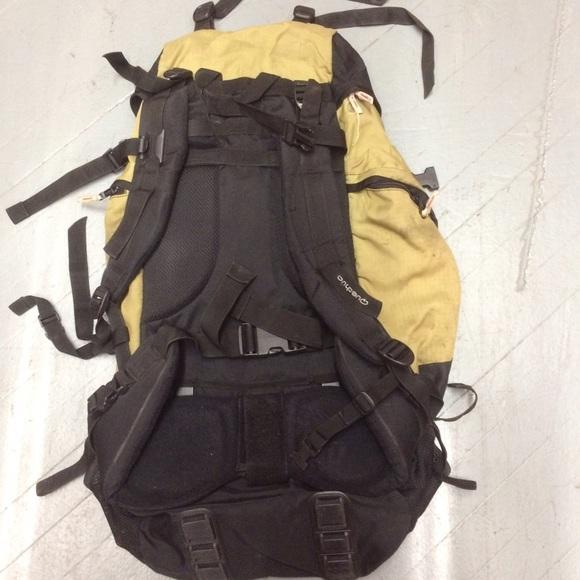 72 off quechua handbags quechua forclaz 60 liters
