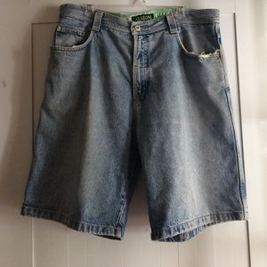 Billabong Men's Shorts Size 36