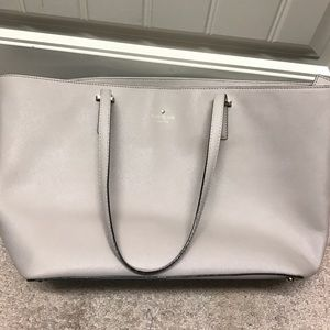 Large Kate Spade tote. Without dust bag
