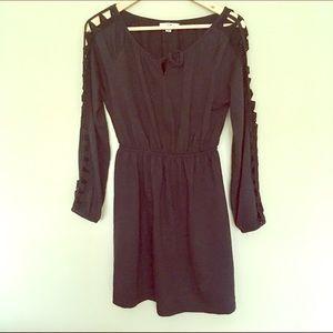 Ya Los Angeles Dresses & Skirts - ✨NWOT Ya Cutout Sleeve Dress