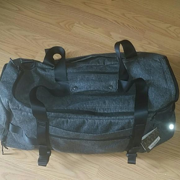 6c248b88f Lululemon daily sweat duffel bag NWT NWT