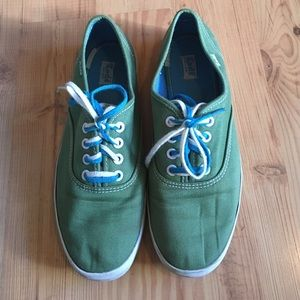 Gently used keds sneakers