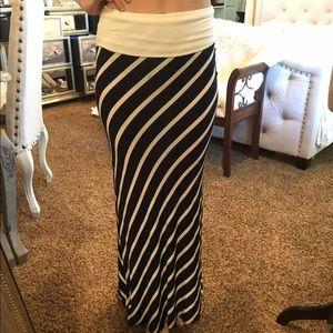 LA Class Maxi Skirt
