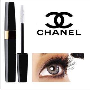 CHANEL Other - CHANEL inimitable #10. Black mascara