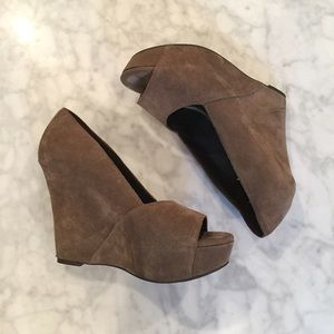 Elizabeth & James Suede Wedges