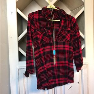 Timing Tops - Black/red plaid flannel shirt in small