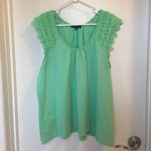 ava & grace Tops - Mint green lace sleeve top