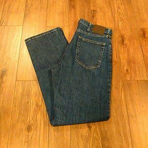 Wrangler Other - Wrangler Regular Fit Straight Leg Jeans