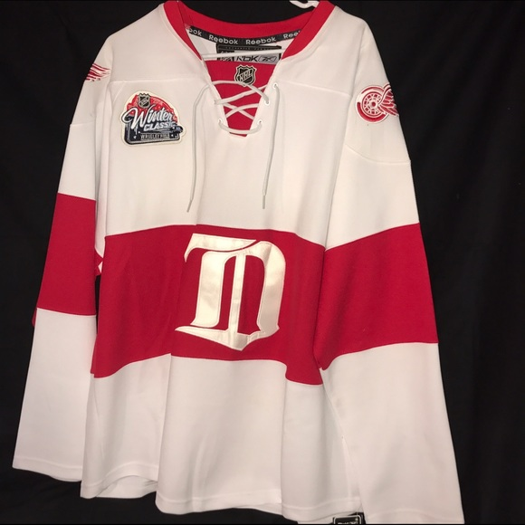 NWT 2009 Detroit Red Wings Winter Classic Jersey a1278cc4de0