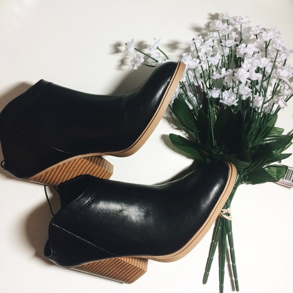 9ca2048f9e18 DV by Dolce Vita Shoes - DV by Dolce vita nya boot from Target