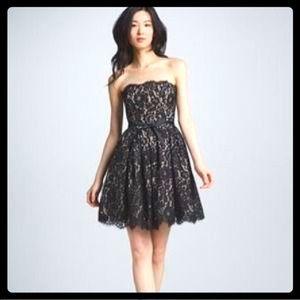 Robert Rodriguez Dresses & Skirts - NWT ROBERT RODRIGUES BLACK & NUDE LACE DRESS