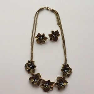 Jewelry - Floral Necklace & Earrings Set