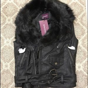 Zara Jackets & Blazers - Leather vest with fur (removable)