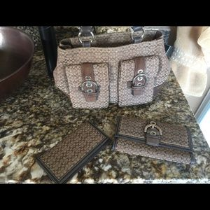 Coach Handbags - Coach signature set