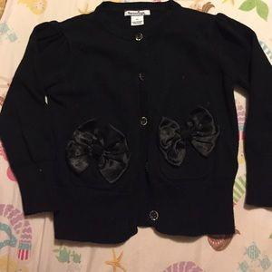 Hartstrings Other - Hartstrings black cardigan 3T bow pockets girls
